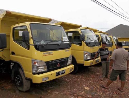 armada-dump-truck6